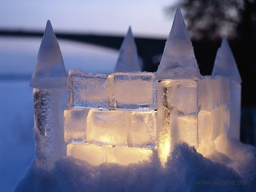 Win7官方主题-冰城堡软件截图