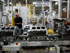 IHS:芯片缺货严重,今年轻型汽车将减产 500 万辆