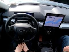 通用就 BlueCruise 辅助驾驶功能起诉福特,只因名称太相似