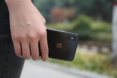 iPhone SE 3曝光:侧面指纹加持